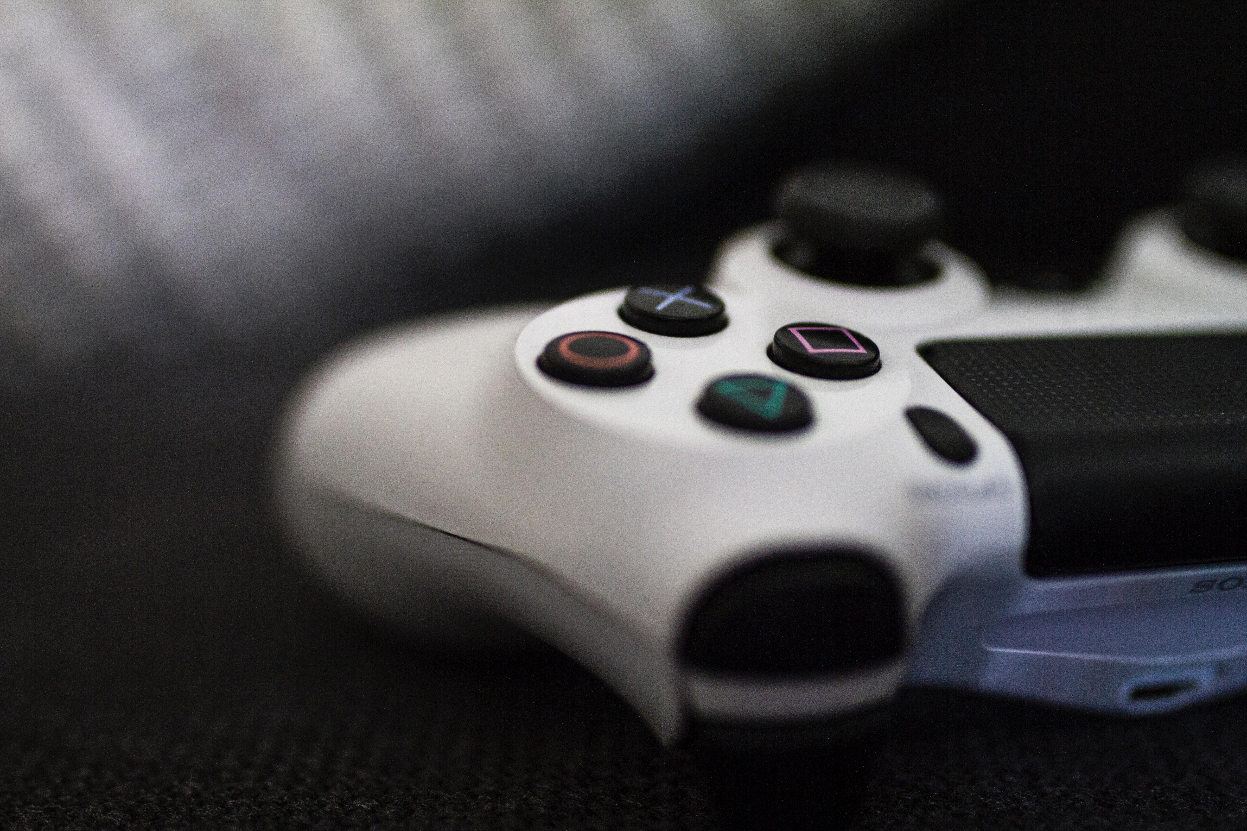 Uzależnienie od gier komputerowych - objawy i leczenie